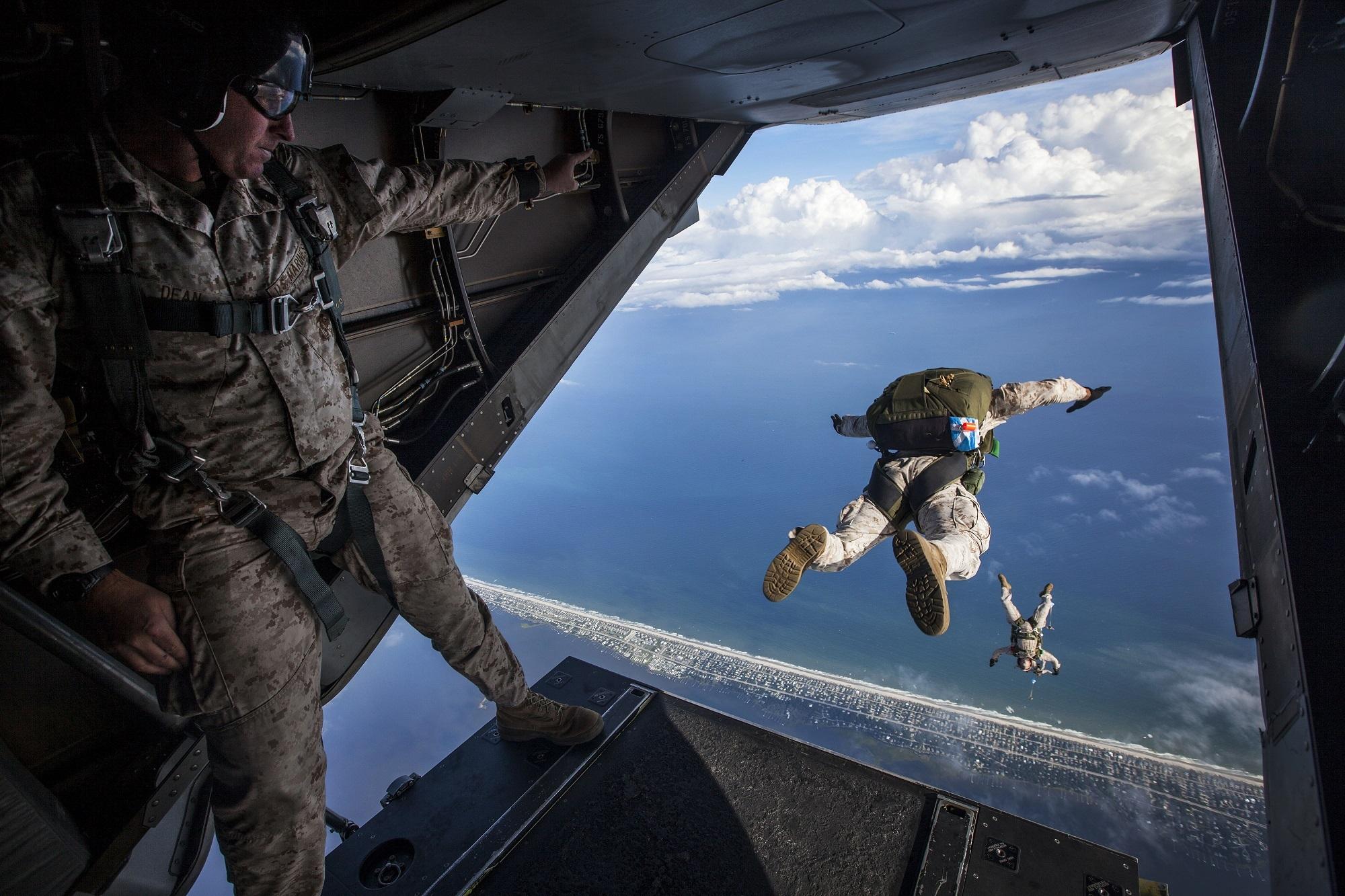 parachute-1416417